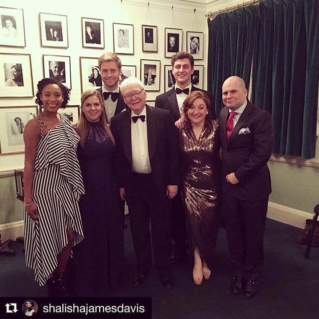 A very special evening of the first of #grahamjohnson's new 'Songmakers' Almanac' series @wigmore_hall where he will be repeating some of the wonderful programmes he devised for the original (and incomparable) 'Songmakers' Almanac'. This particular concert was first performed 30 years ago where the line-up, alongside Graham Johnson, comprised of: Patricia Rozario, Dame Felicity Palmer, Nick Sears (@rcmlondon!) and Stephen Varcoe. (I would love to hear Felicity Palmer sing the socks of Jensen's 'Edward'!!) A beautiful evening of song and poetry, so cleverly intertwined and amalgamated... do go hear the rest of the series! The next is 2nd June 7.30pm, 'If Fiordiligi and Dorabella had been Lieder singers...' with @sorayamafi, @cat.morison and @willthomas2301 #lieder #song #mezzo #singersofinstagram #singerslife #singingwithfriends #london #almanac