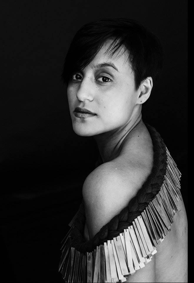 """""""Tuulin ohjaus on asiantuntevaa, luovaa ja läsnäolevaa. Tunnit ovat auttaneet minua löytämään työkaluja toimimaan paremmin arjessa ja laulajan ammatissa."""" - - Sandhja, laulaja-artisti"""