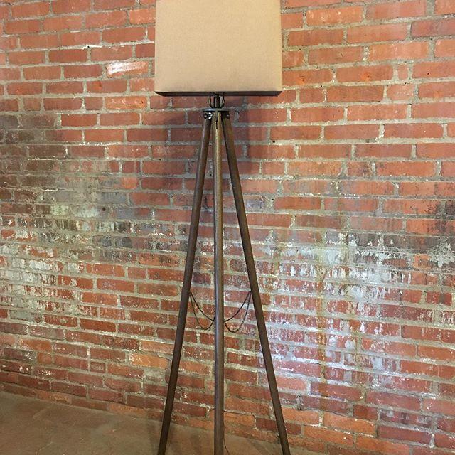 Vintage tripod lamp
