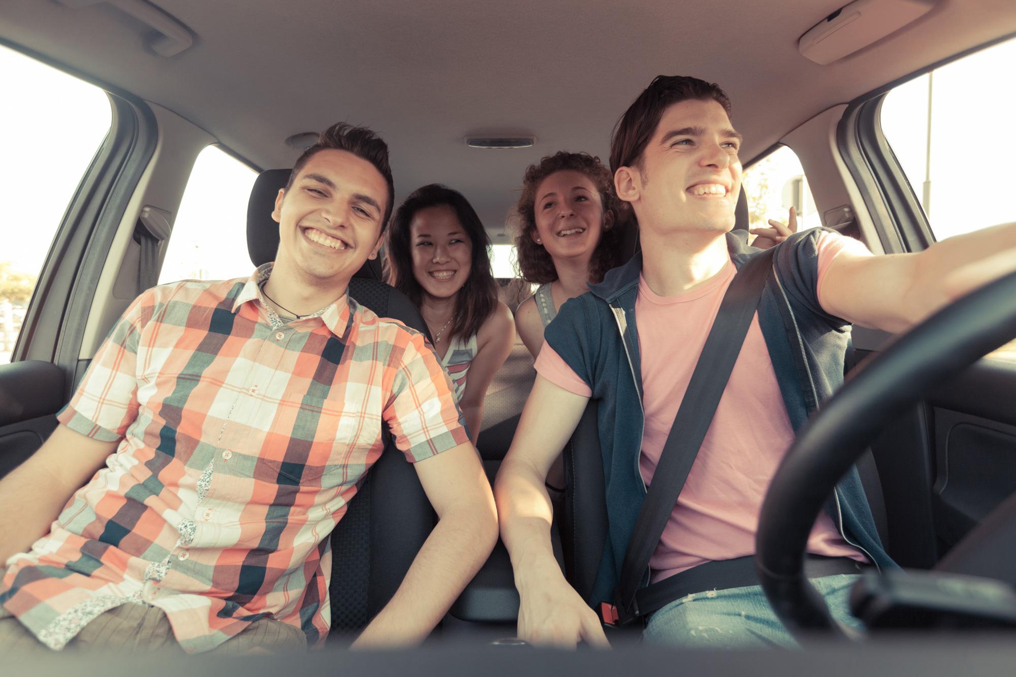Comparte tu carro con tu familia o amigos -