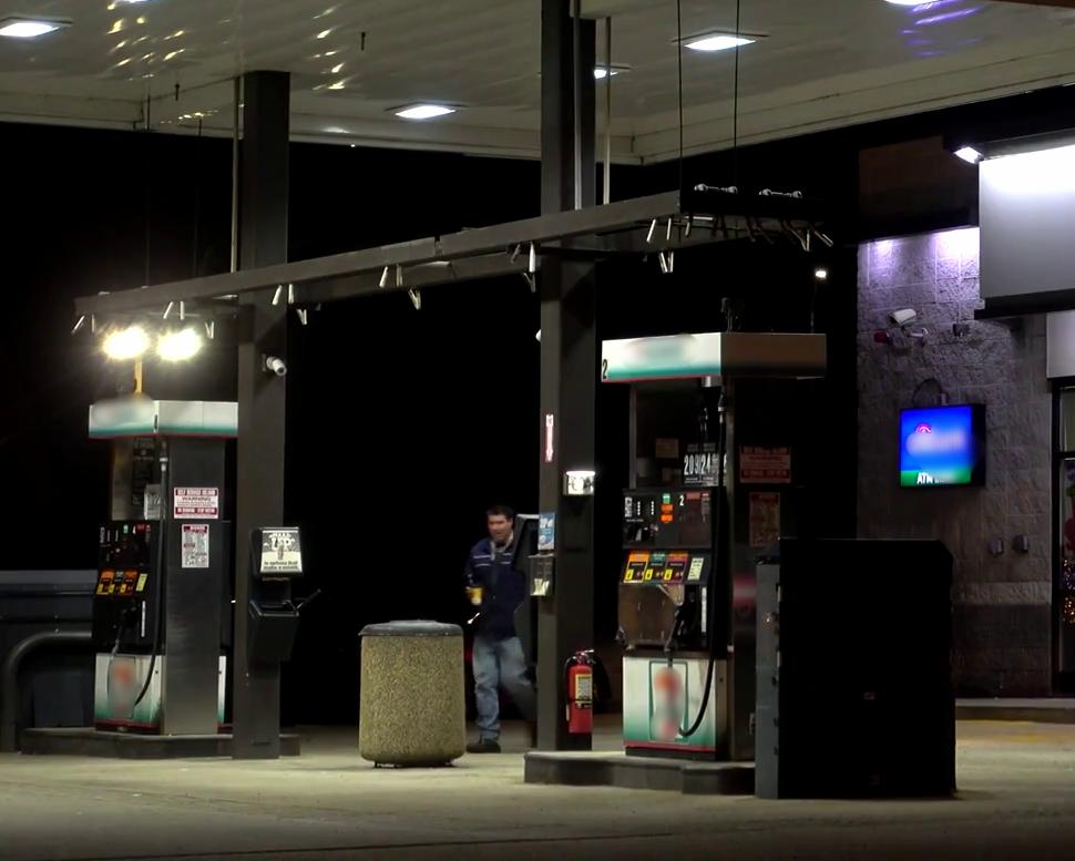Echa gasolina en horas frías -