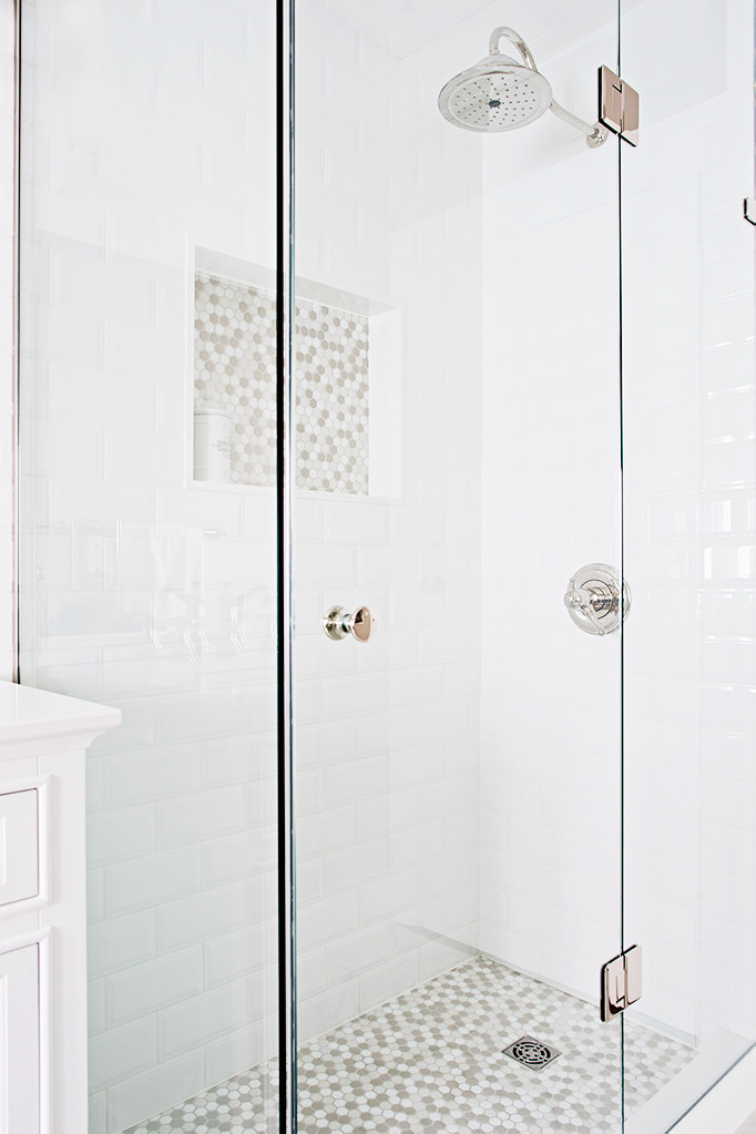 Clear glass stand-up shower