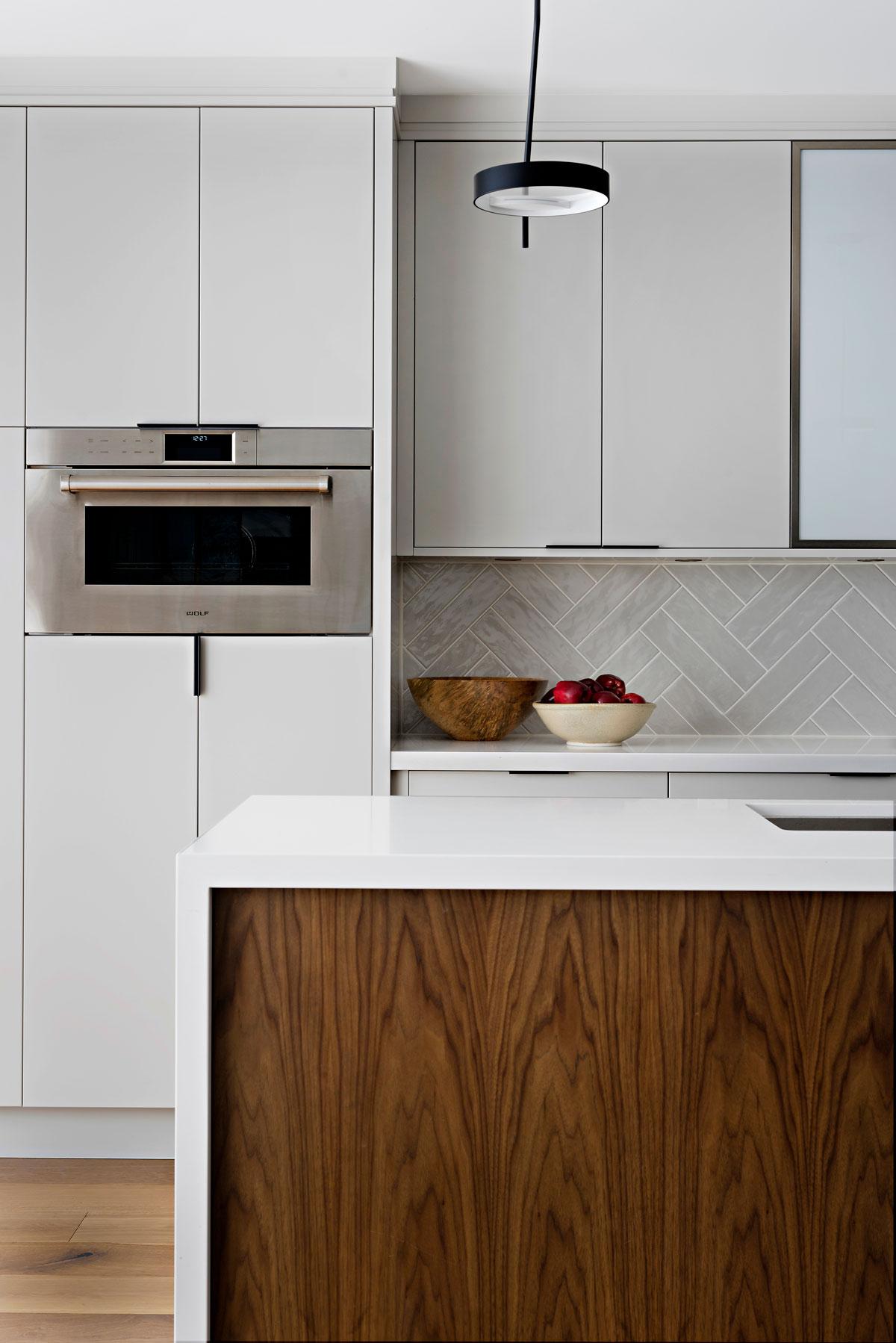 kitchen-wall-oven-backsplash.jpg