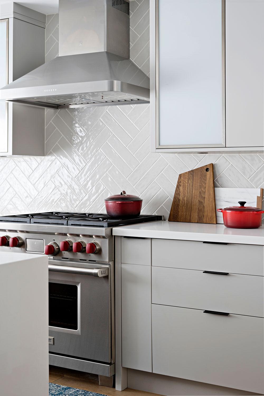 kitchen-herringbone-backsplash.jpg