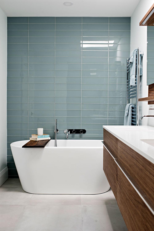 master-bathroom-glass-tile-wall.jpg