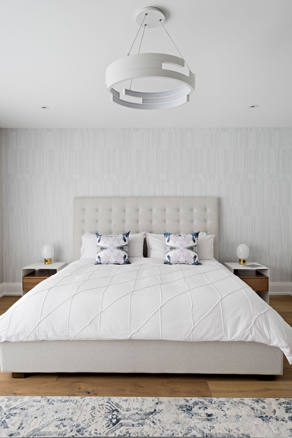 Master bedroom - King bed with headboard