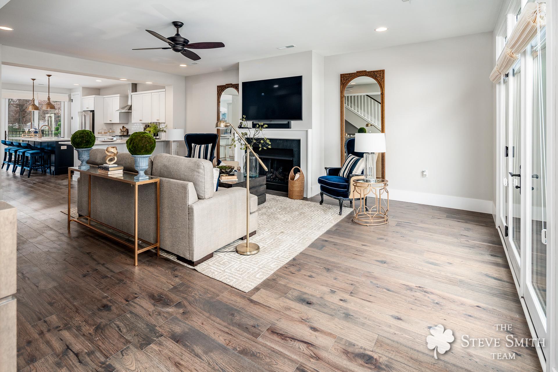 8 Living Room 4.jpg