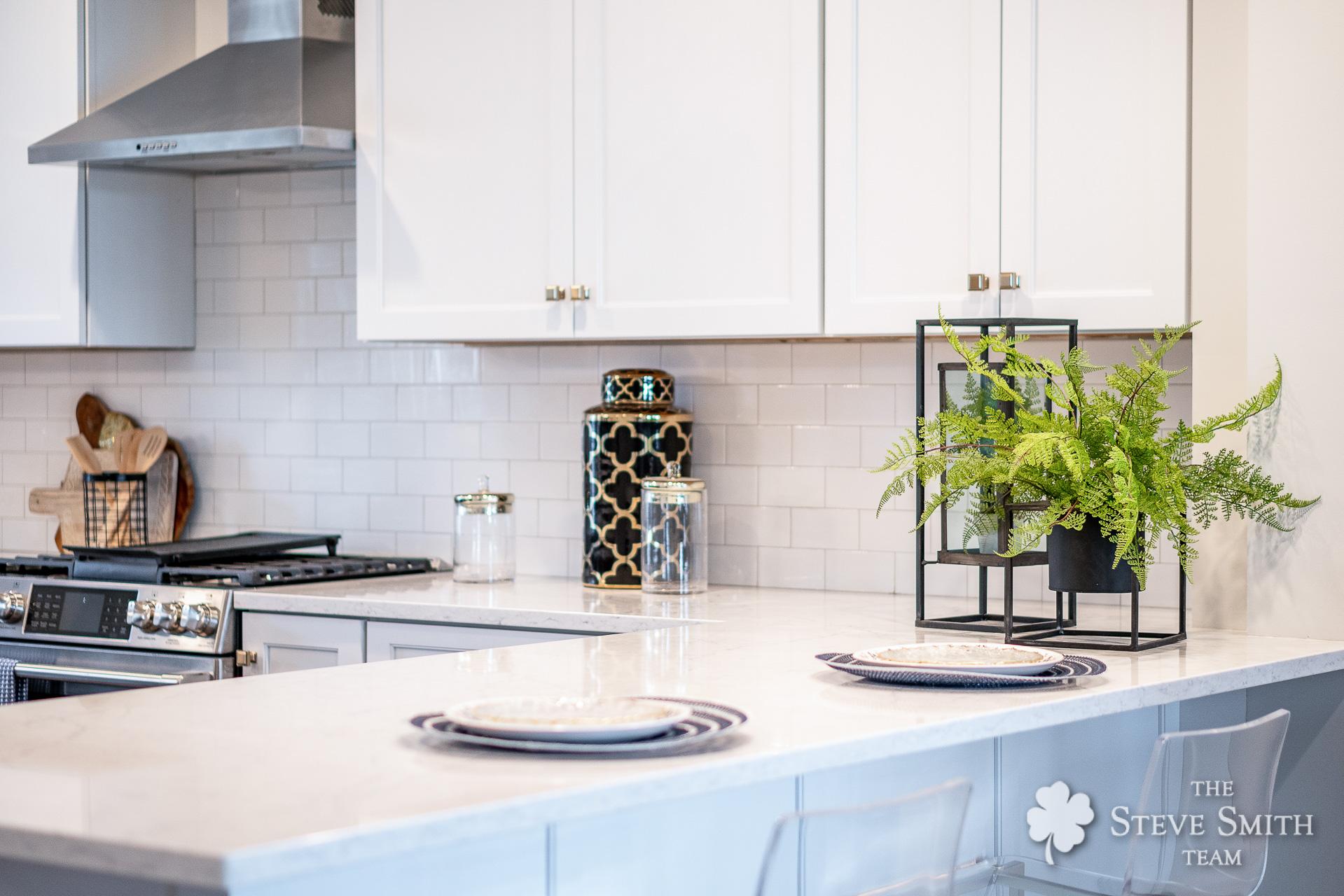 16 Kitchen 7.jpg