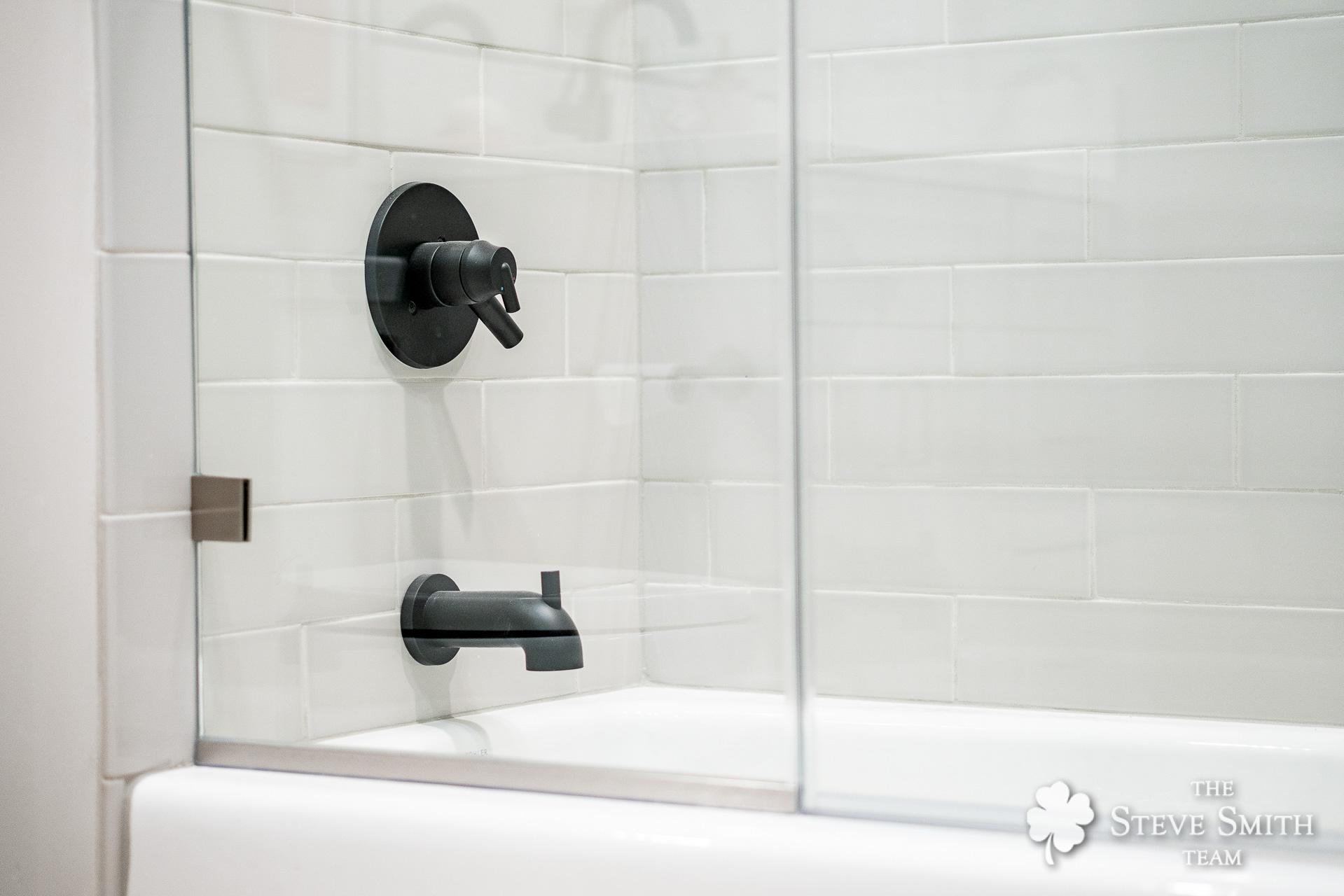 30 Bath2 3.jpg