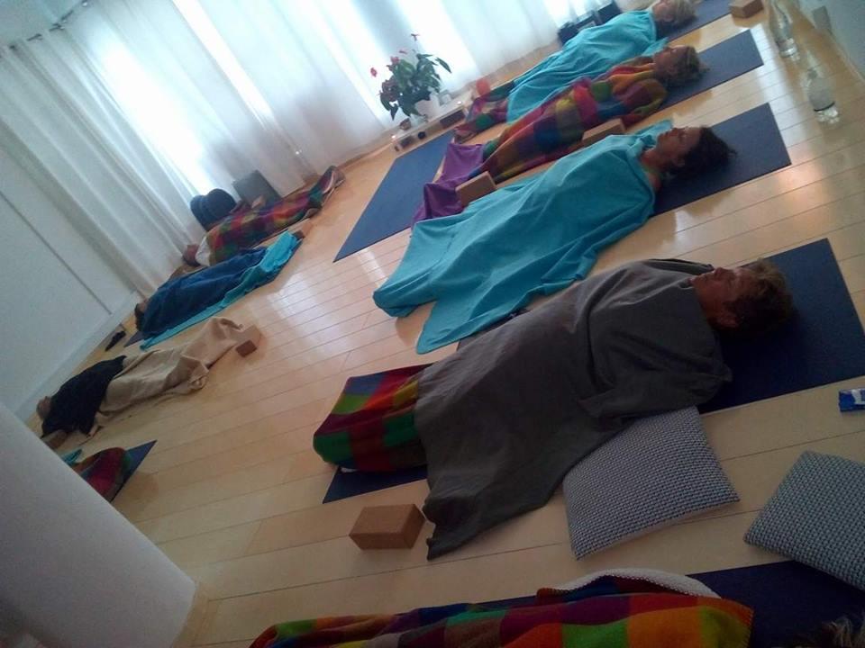 Yin-Yoga-session.jpg