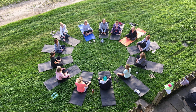 ride-on-retreats-morning-yoga.JPG