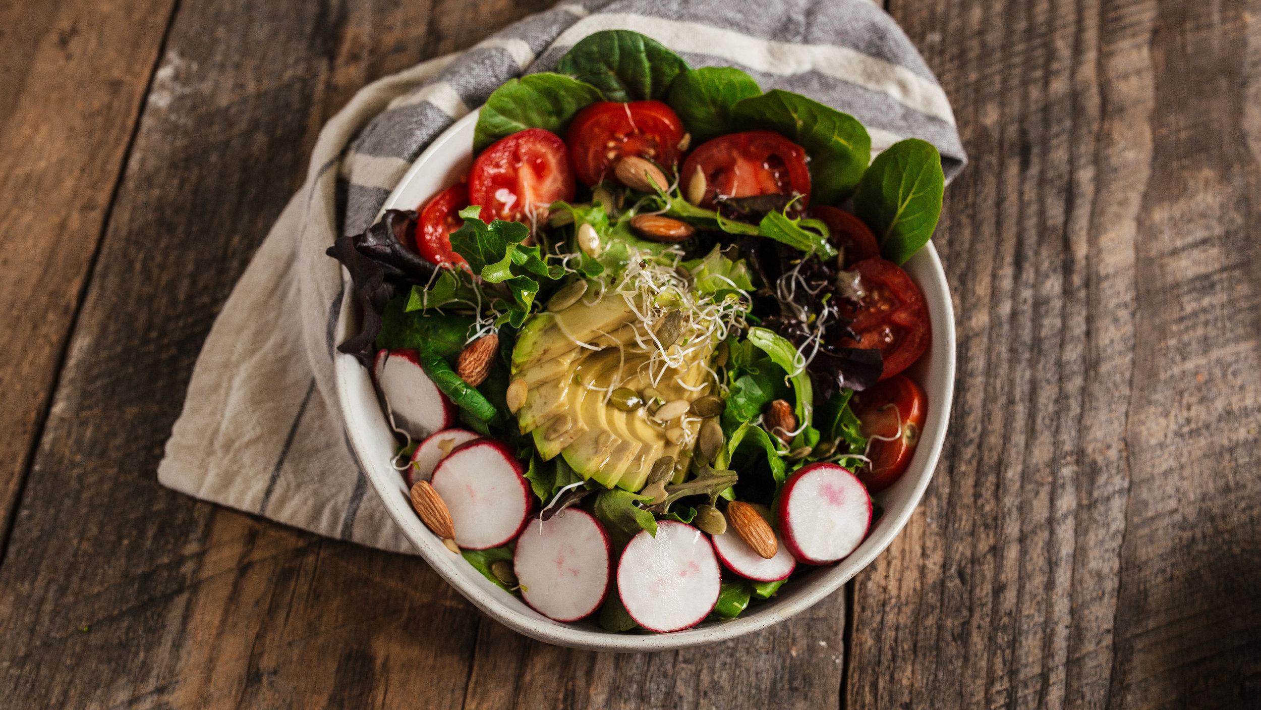 Dinner 4: Healthy Nut Salad