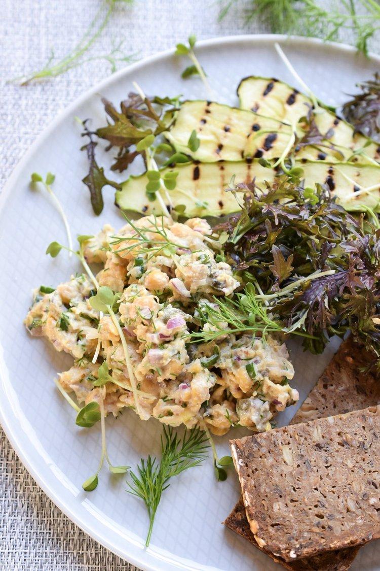 Dinner 3: Chickpea Eggless Salad