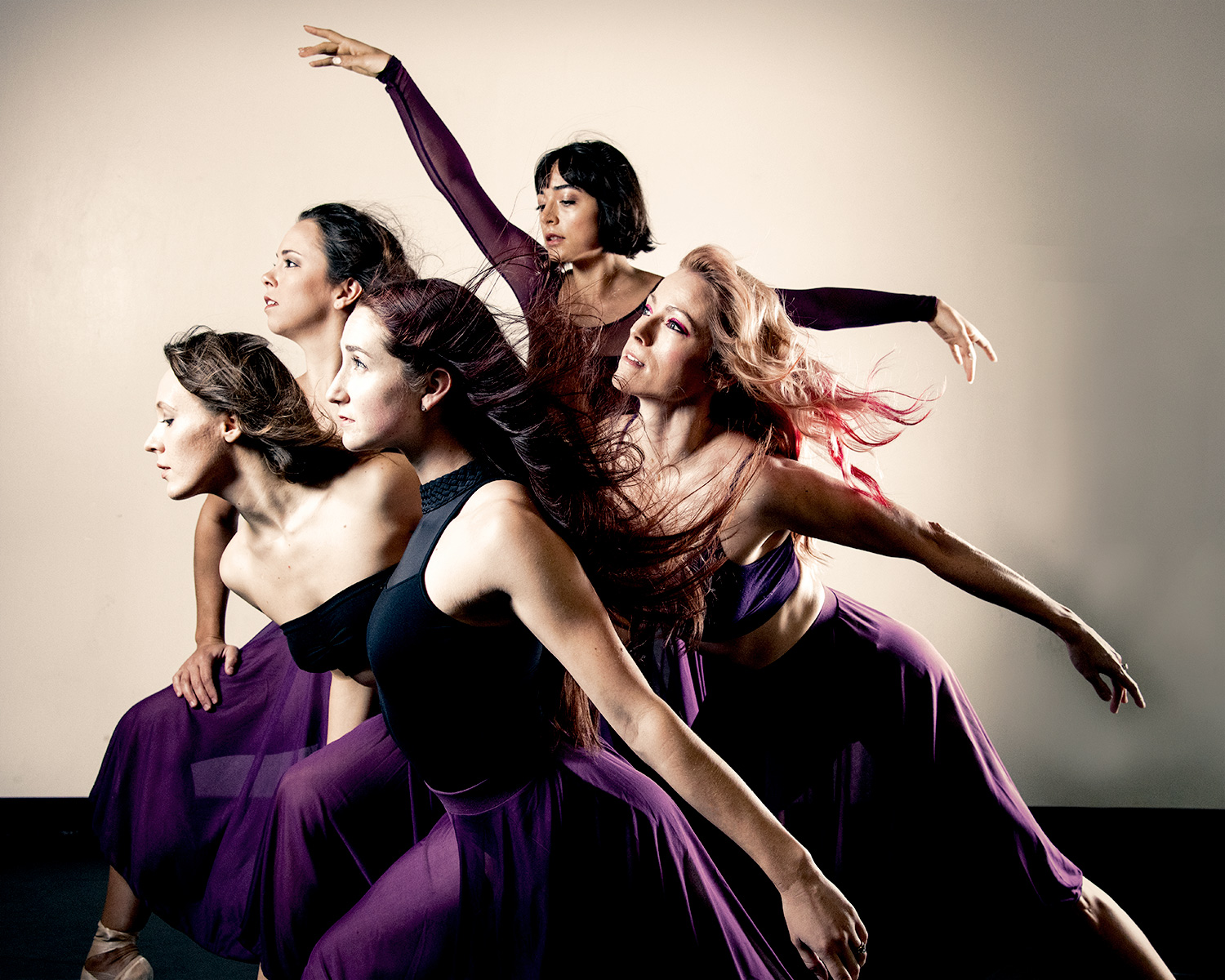 A moment from an in-studio session.  Photography by   Stephen Pruitt  . Pictured,  dancers of Ventana Ballet.