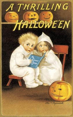 A-thrilling-Halloween-vintage-card