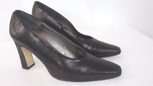 Vintage Margaret Jerrold shoes on eBay.