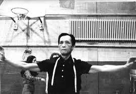 Master Lee Shiu Pak practicing his form in class at the Montreal Tai Chi Chuan Society.