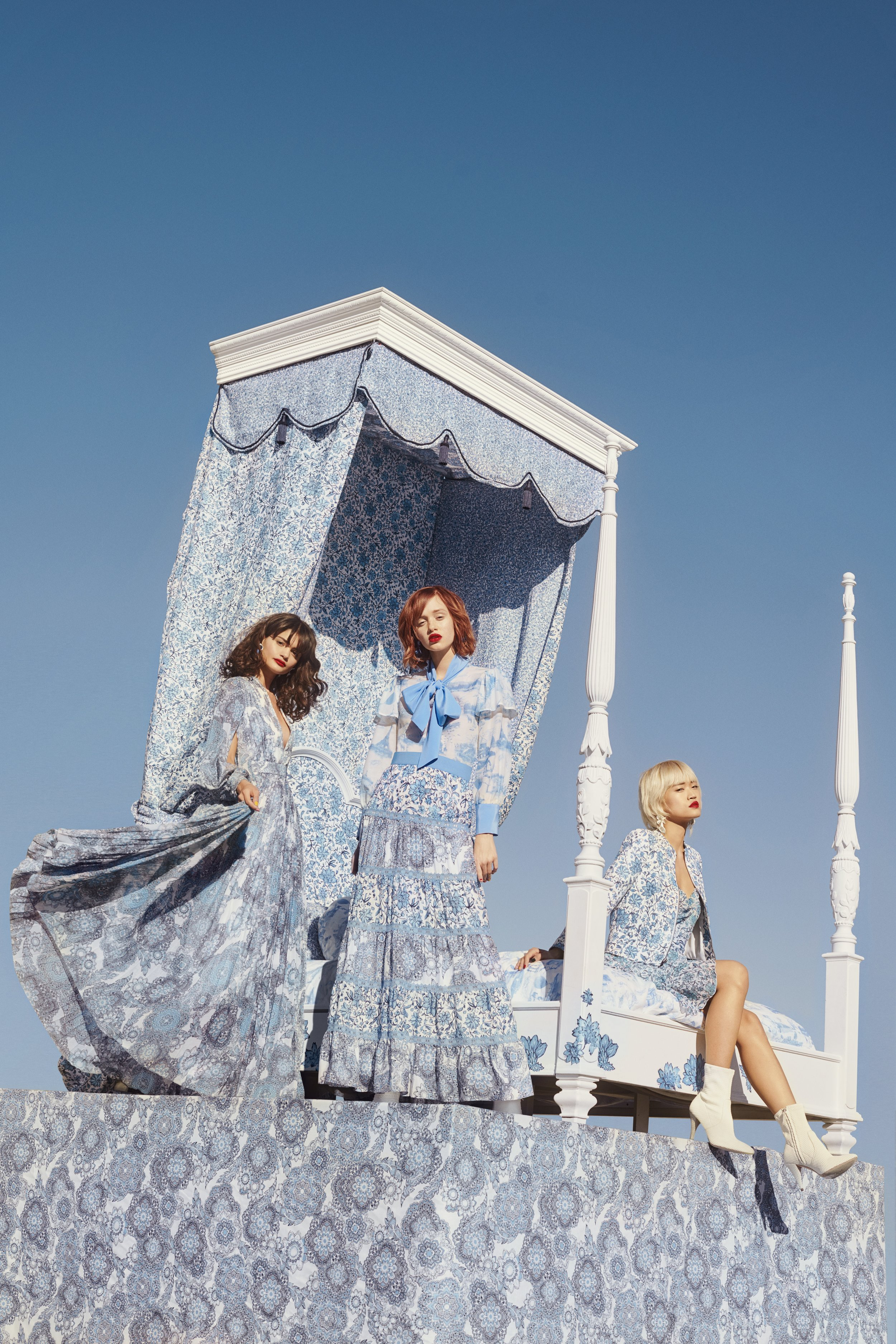M771_DKR_Alice+Olivia_Harrods_Blue_07_1372_FNL.jpeg