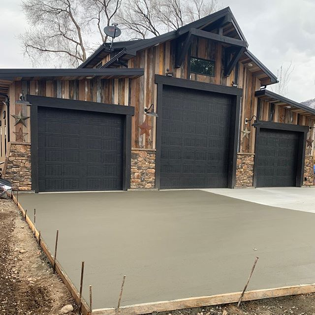 One of our first driveways of 2019!  #concrete #construction #architecture #home #sandy #utah #parkcity #saltlakecity