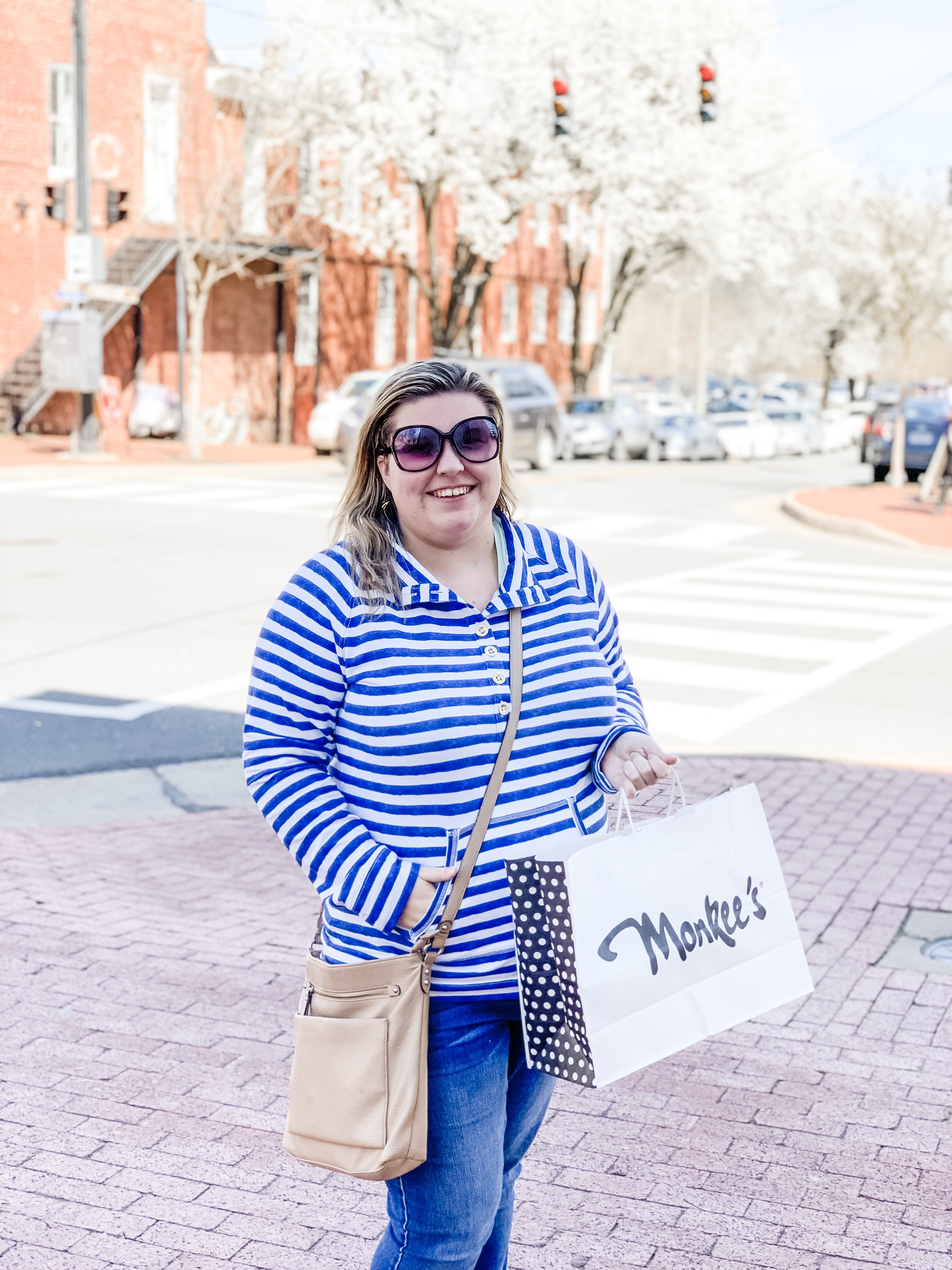 I absolutely love supporting my favorite downtown Fredericksburg shop,  Monkee's . They have the best clothes!
