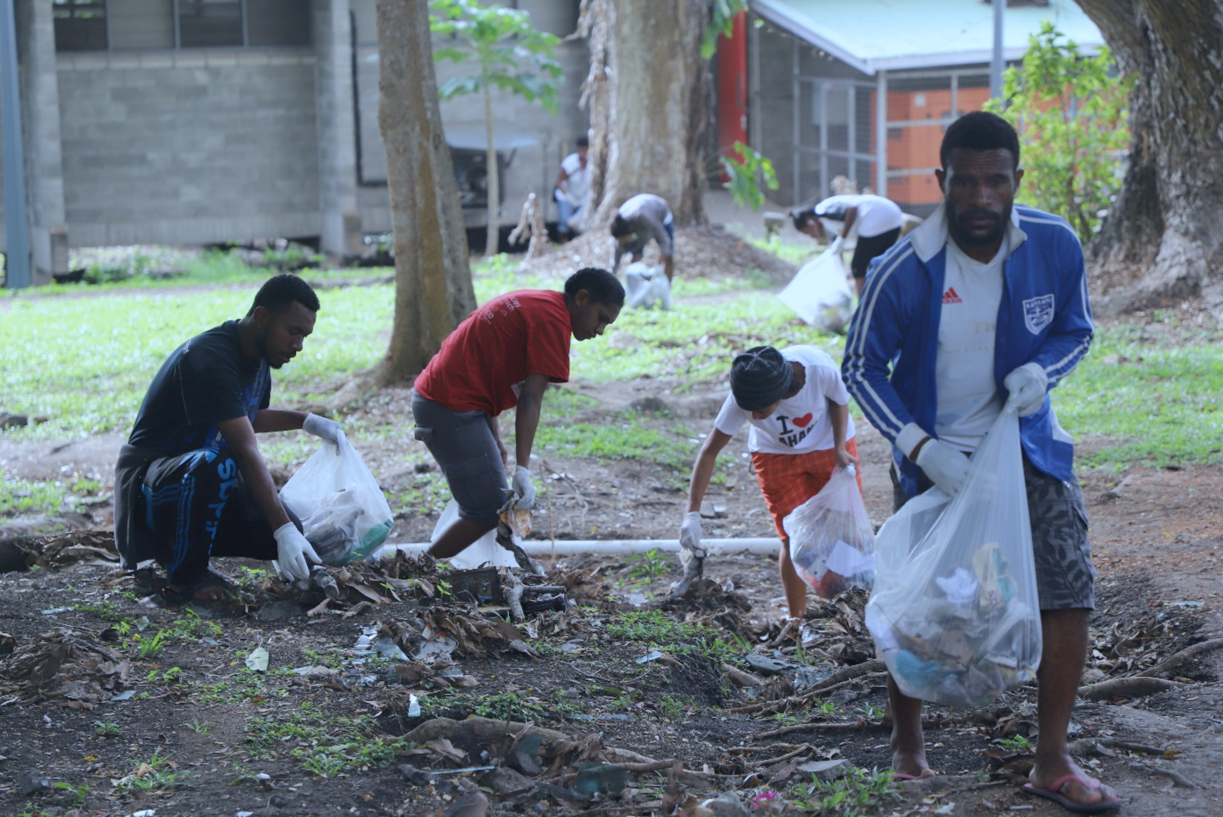 ENVIRONMENT MEETS LEADERSHIP: HEALTH STUDENTS DRIVE CLEAN-A-THON AT UPNG TAURAMA CAMPUS. As part of their leadership assignment, the 10 Oil Search Foundation Scholarship recipients led the clean-up drive, galvanizing their fellow students into filling up 164 bags of miscellaneous rubbish. They then handed wheelie bins to be put in the dorms, and stressed cleanliness and hygiene awareness as part of the training of future health practitioners.