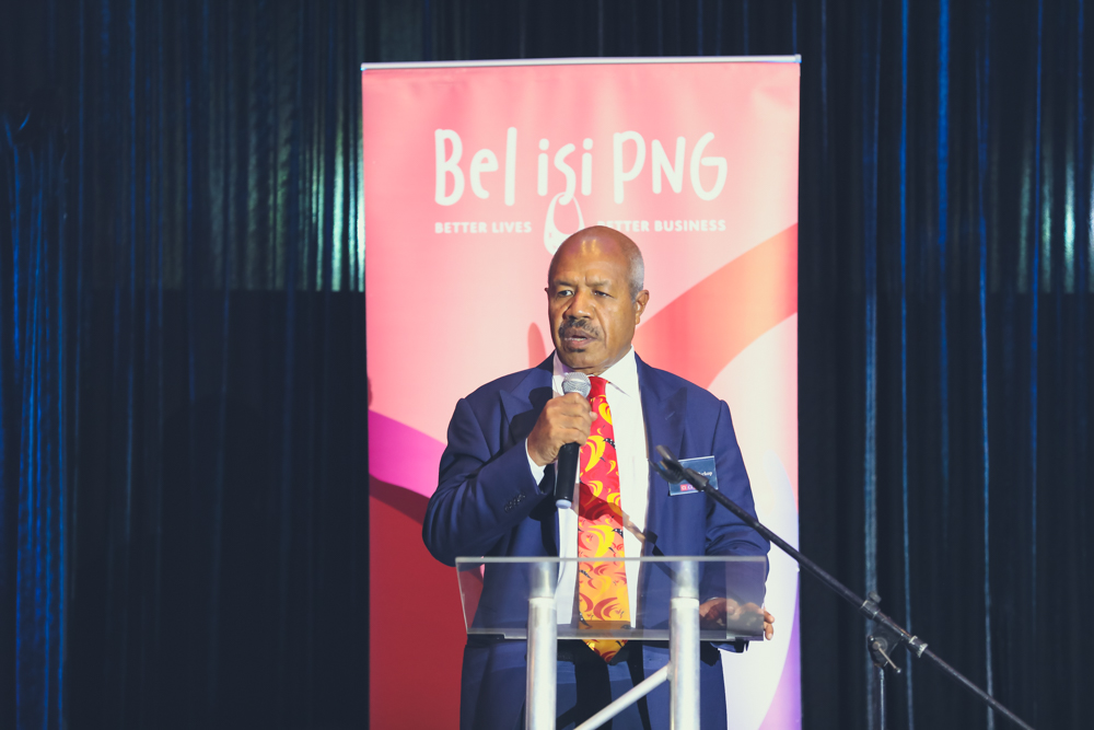 Governor Parkop welcomes guests at the Bel isi PNG Leadership Forum, setting a challenge for everyone to think outside the box to prevent family and sexual violence