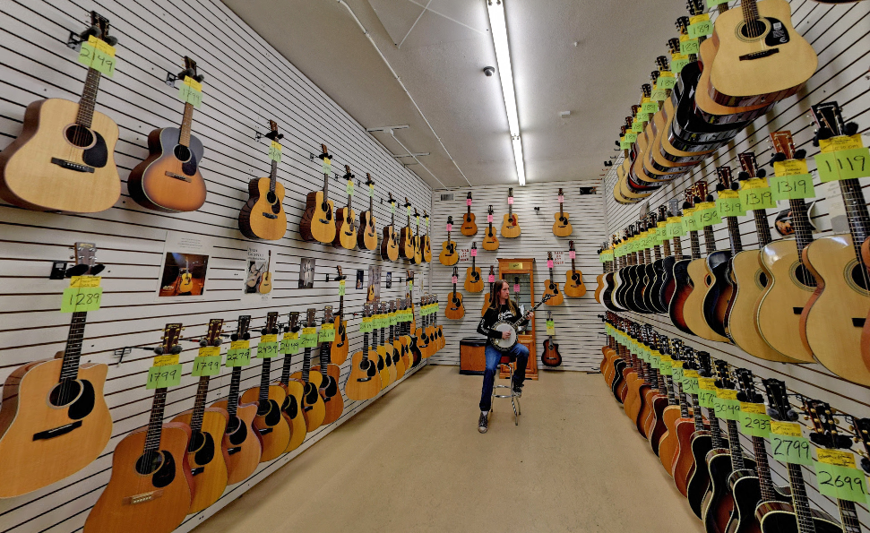 Bizarre Guitar - Bizarre Guitar is the award-winning instrument warehouse in Phoenix. With over 5,000 square feet, we have the perfect space to fit over 1,500 guitars, drums, amps and PA systems!4322 7th Ave, Phoenix, AZ 85013 / (602) 248-9297