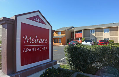 Melrose Apartments - This quaint community is nestled just 3 blocks away from central, which host amazing dining, entertainment, shopping and the light rail for fast no driving travel. The newly renovated interiors were designed with you in mind!4444 N 7th Ave, Phoenix, AZ 85013 / (602) 277-8170