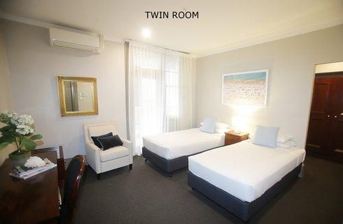 Twin Room 4.jpg