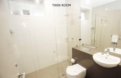 Twin Room 1.jpg