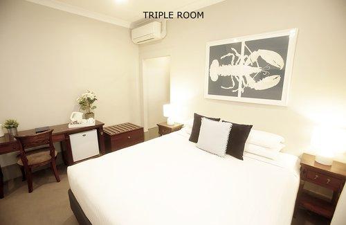 Triple Room 9.jpg