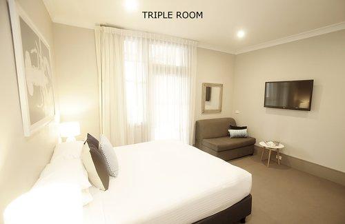 Triple Room 8.jpg