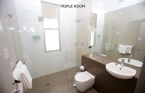 Triple Room 4.jpg