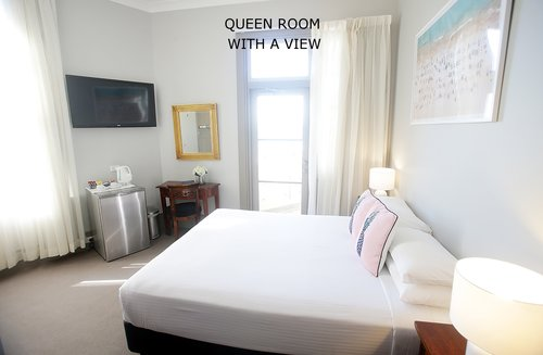 Queen Room with a view 4.jpg
