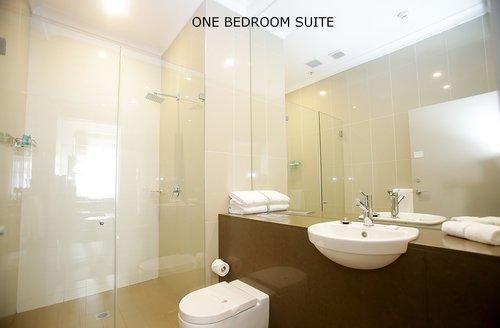 One bedroom Suite 4.jpg