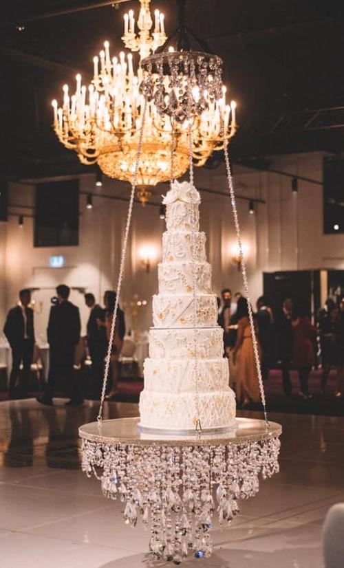 7-tier luxury wedding cake hire