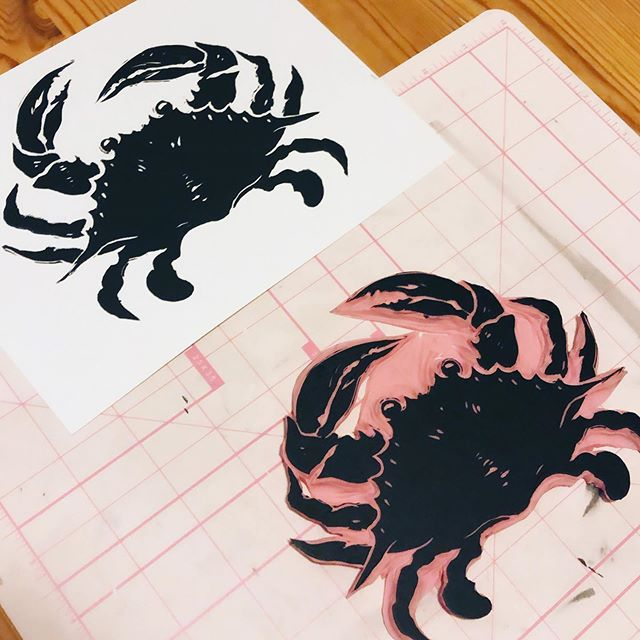 testing different papers with this cute pinchy 🦀 inktober's on its way, anyone else participating? What're your plans/themes? I'll probably do one piece each week, not gonna stress about it. I've always liked working with ink and love seeing everyone's contributions! . #artistsoninstagram #originalartwork #linocutprint #linocut #ink #printmaking #printmakingart #speedball #strathmore #crab #bluecrab #natureart