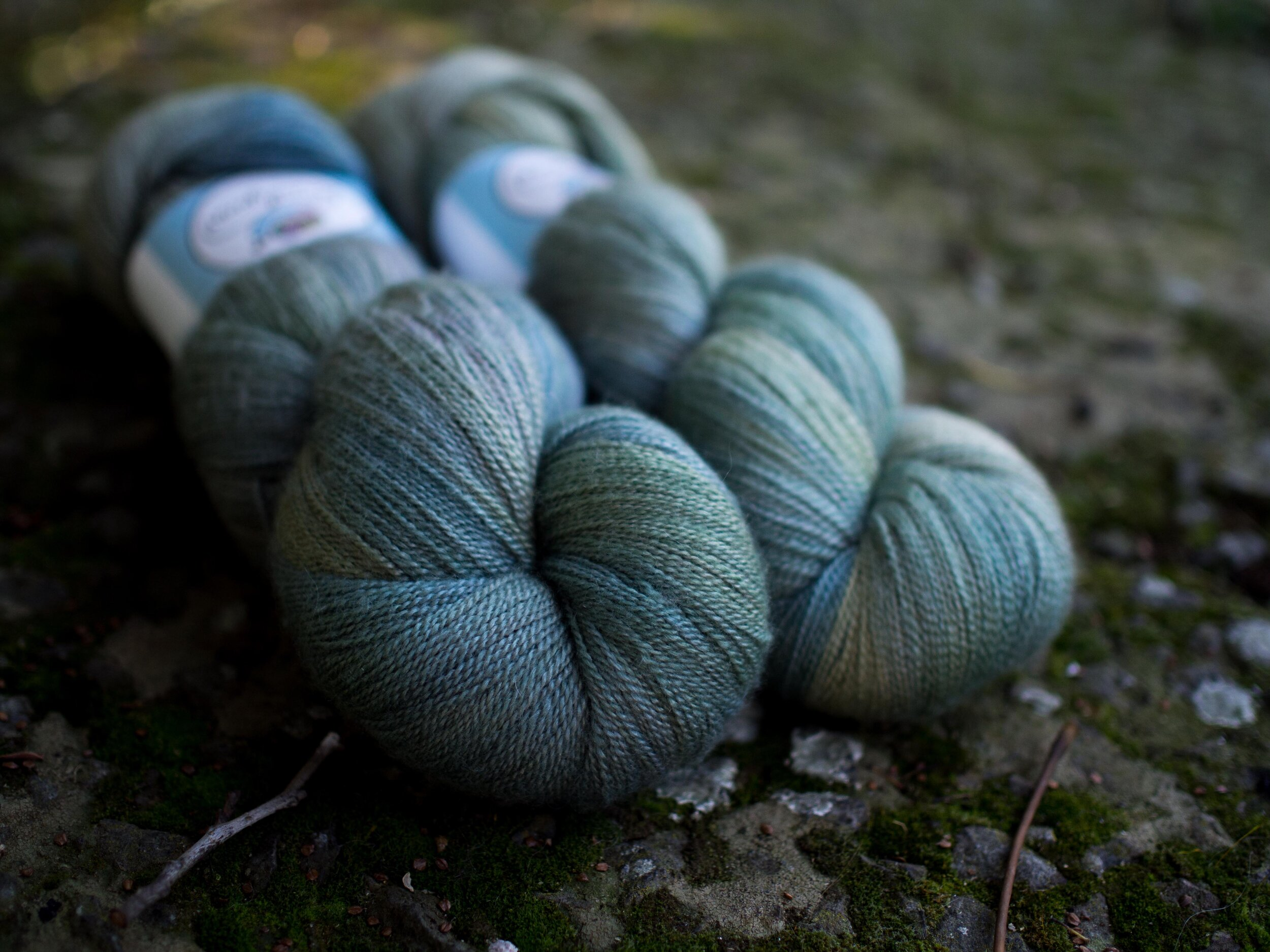 Sale yarns -