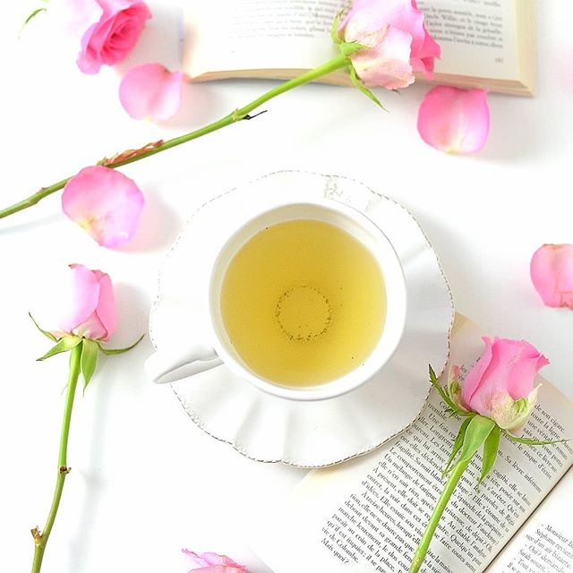 En mai fait ce qu'il te plaît ! 🍵 🌿🌿🌿🌿🌿🌿🌿 #tea #teatime #teaaddict #thé #gourmandise #break#teagreen #box#bio #tealover #teastagram #naturalgreen #healthylifestyle #rose #healthy#fitfood #teabox #mai