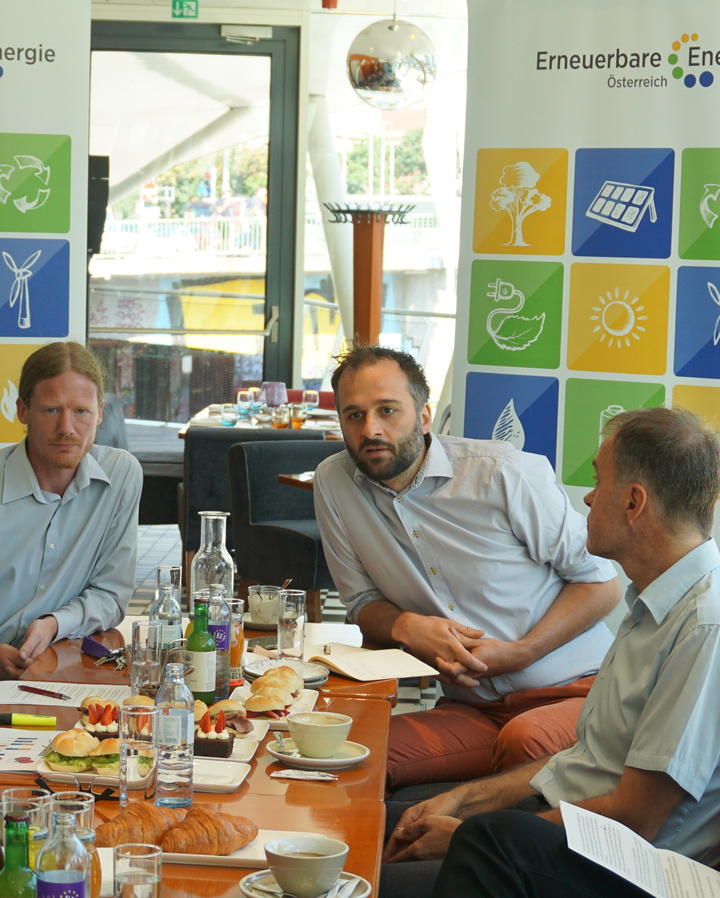 v.li.: Bernhard Stürmer (Kompost und Biogas Verband), Florian Maringer (Erneuerbare Energie Österreich) und Roger Hackstock (Austria Solar)