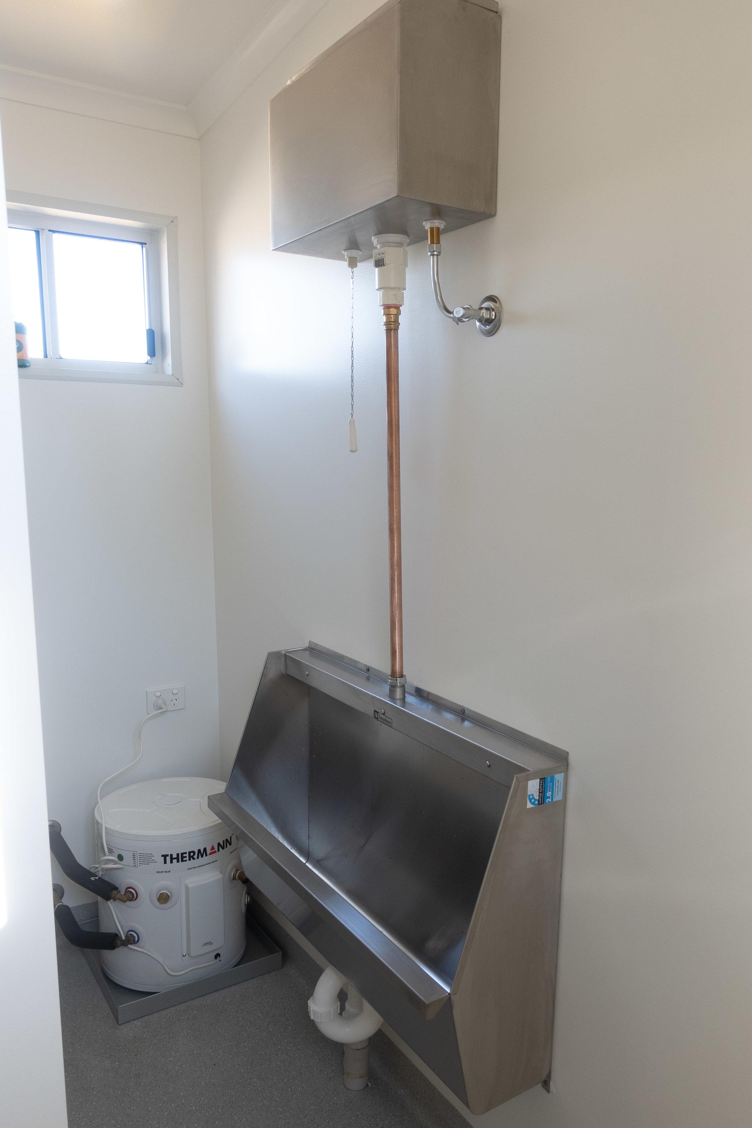 Toilets003.jpg