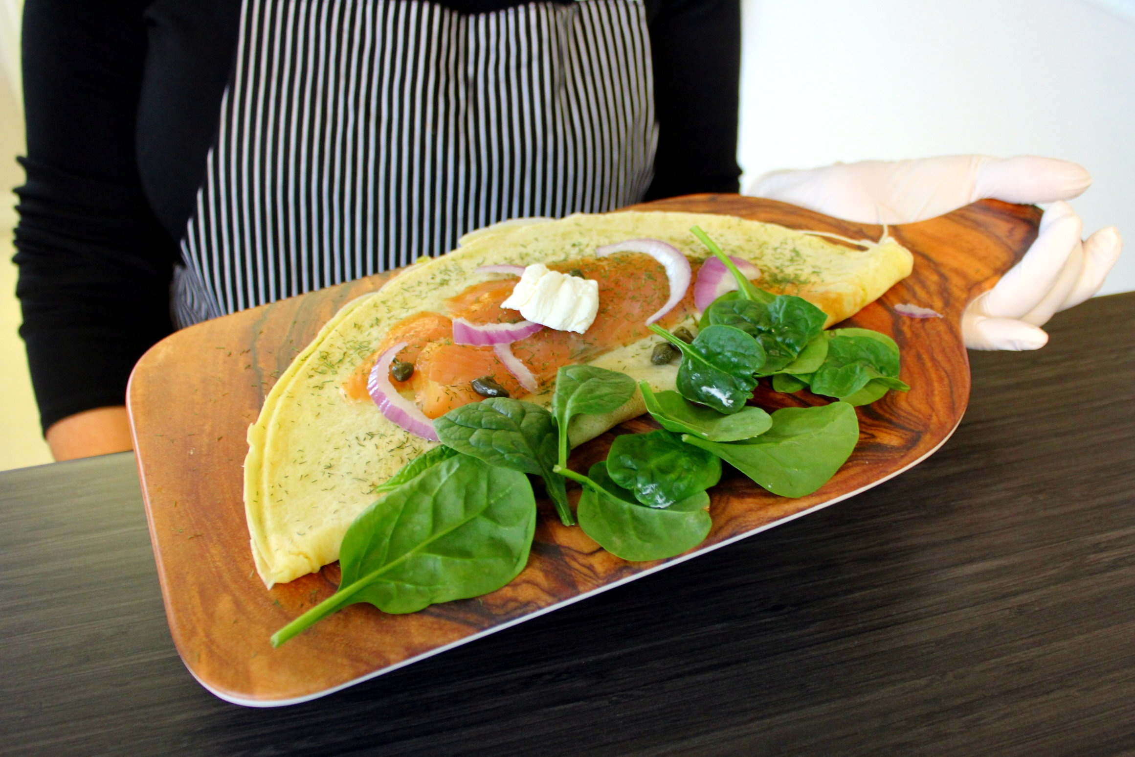 Join us for lunch - Fresh Smoothies, Juices, Wraps & Crêpes Monday to Saturday, 9 a.m. to 6 p.m.