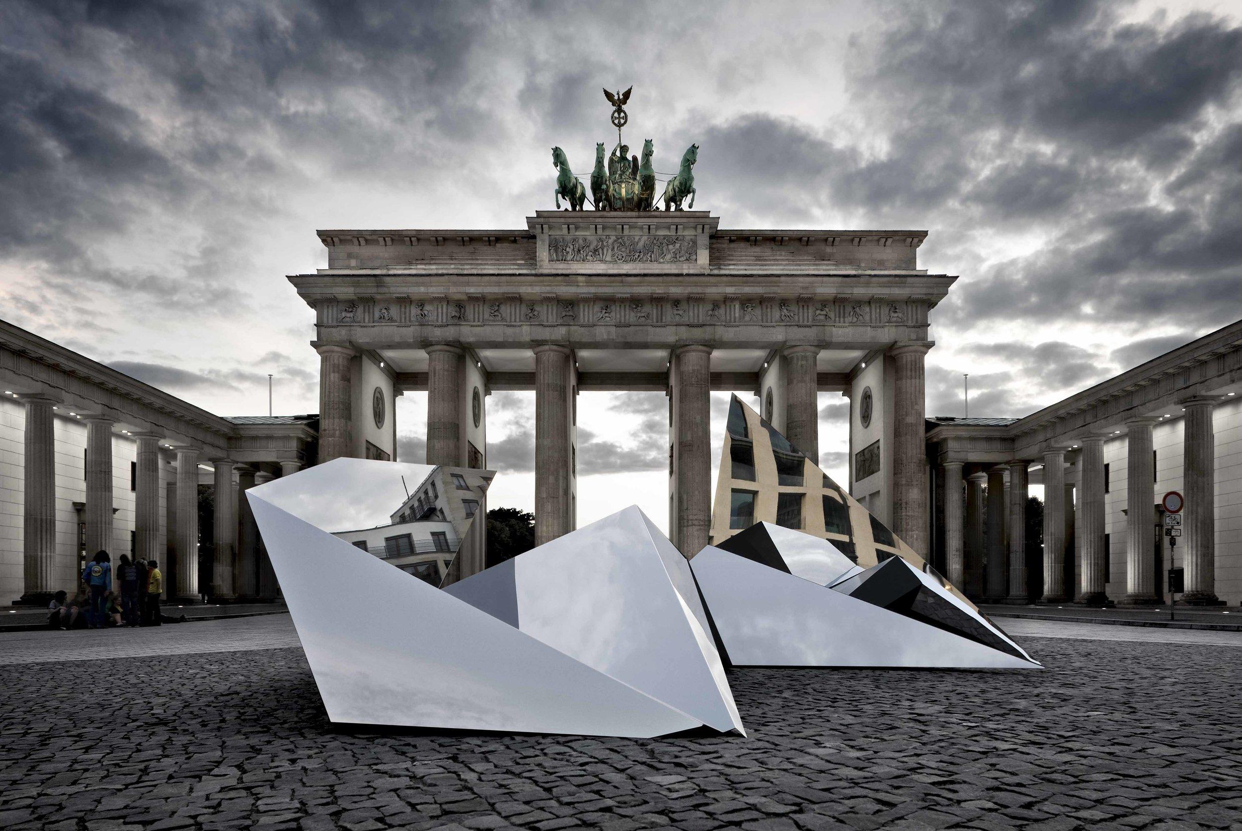 crystal-city-minds_exhibition-design_coordination-berlin06.jpg