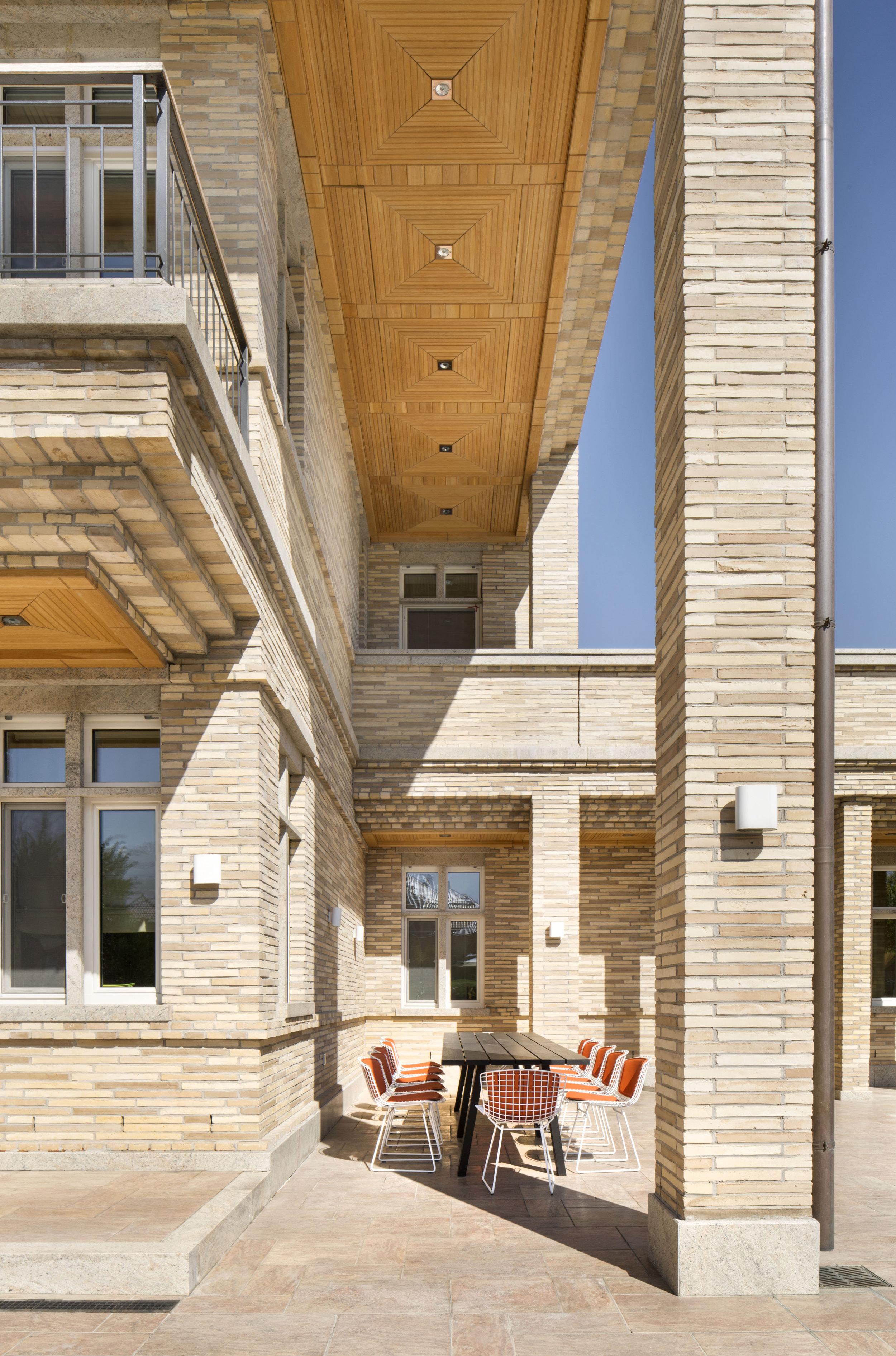 miras-villa_private-architecture-interior-design_coordination-berlin_02.jpg