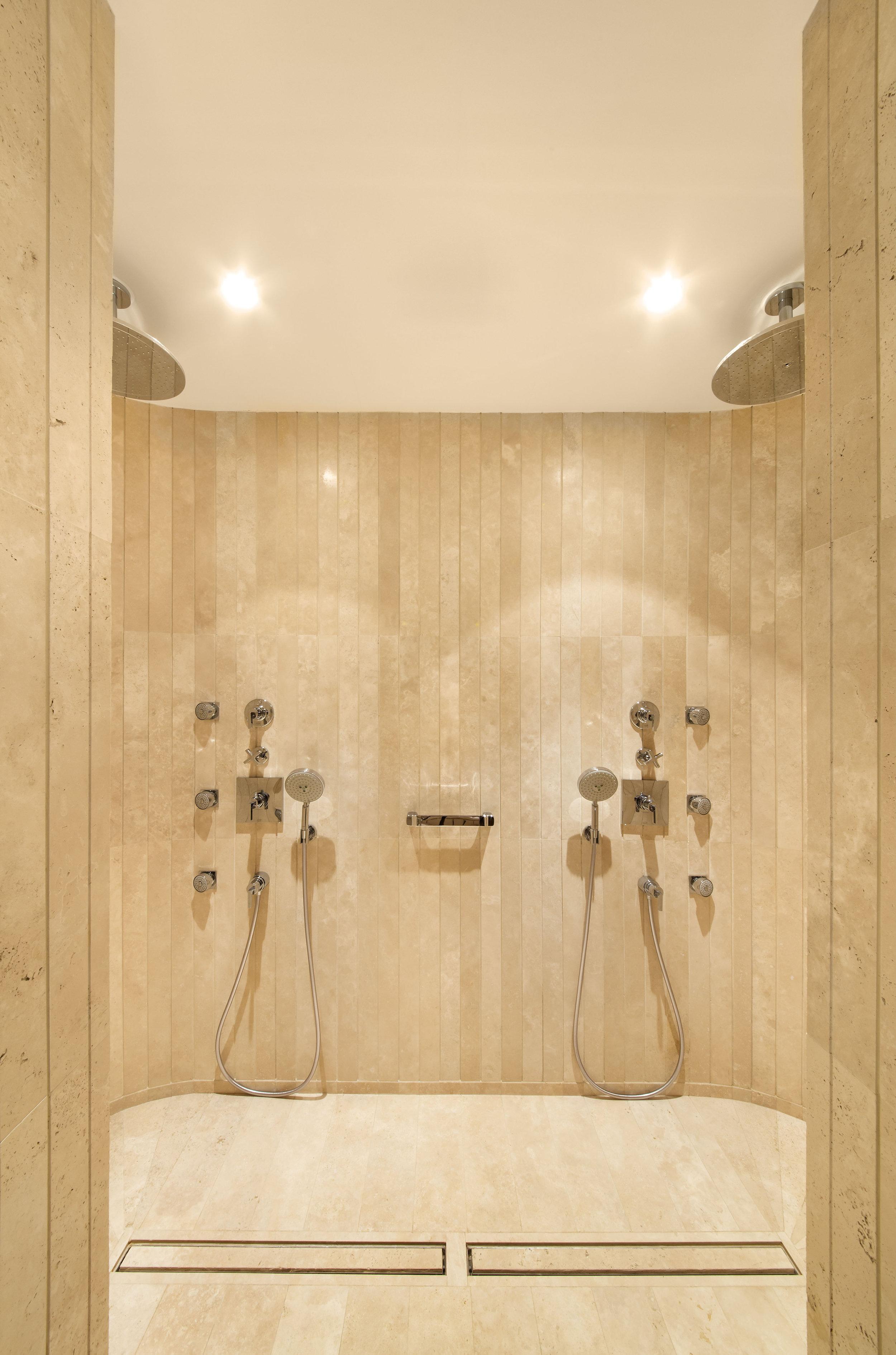 miras-villa_private-architecture-interior-design_coordination-berlin_08.jpg