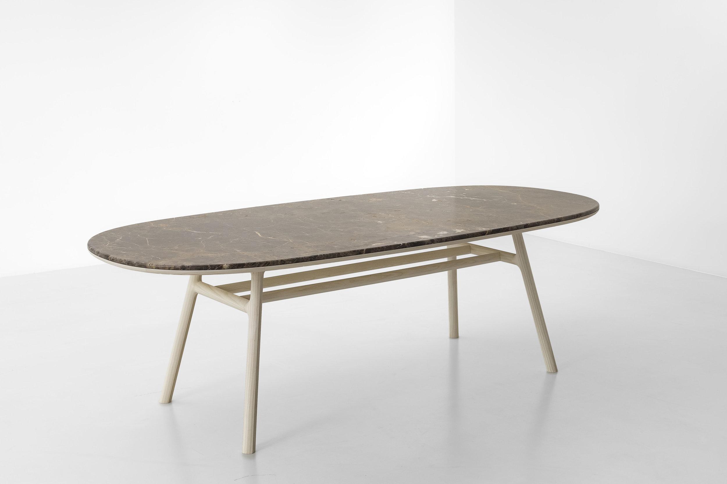 medeo-table_furniture-design_coordination-berlin_02.jpg