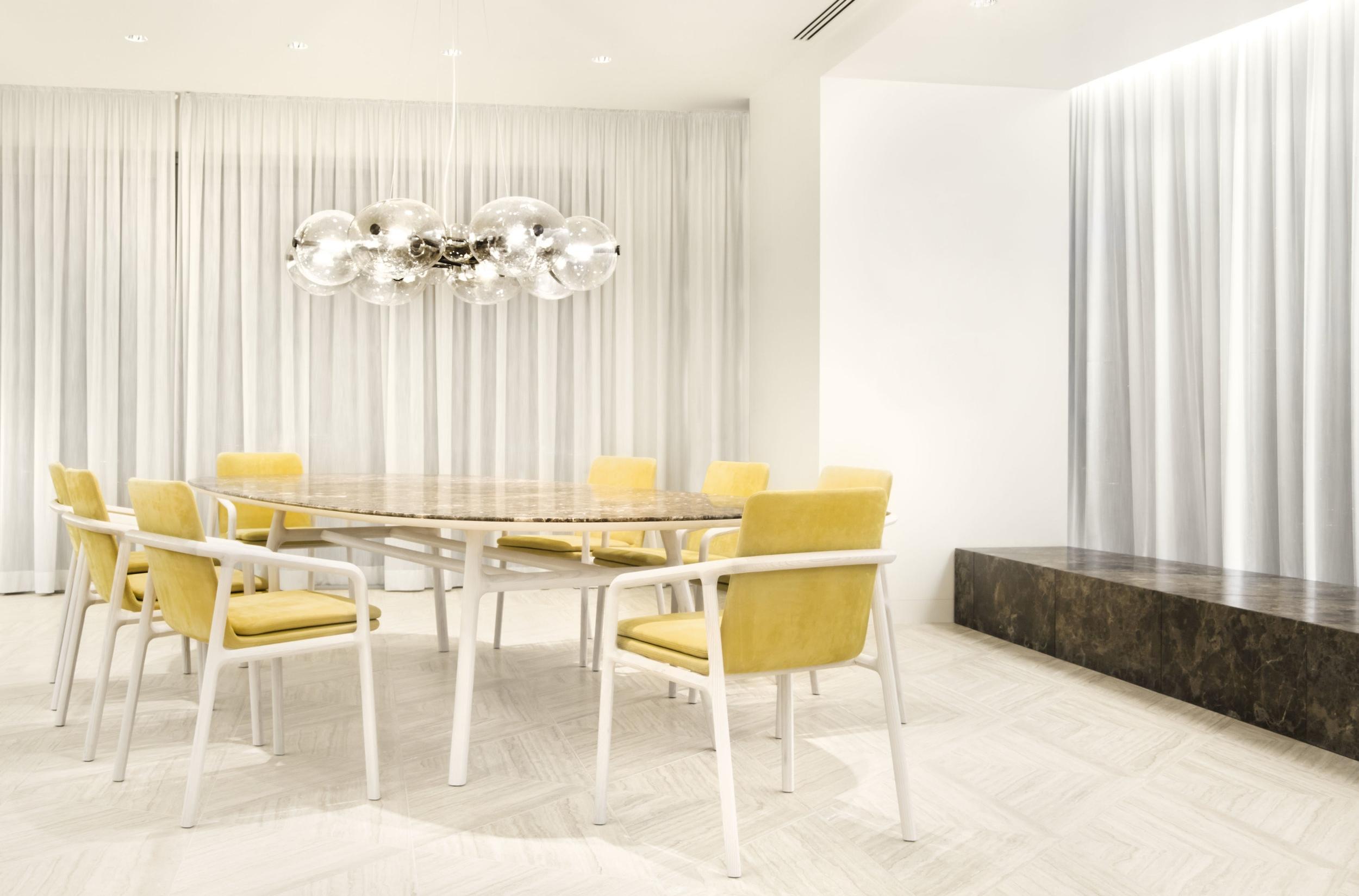 medeo-table_furniture-design_coordination-berlin_06.jpg