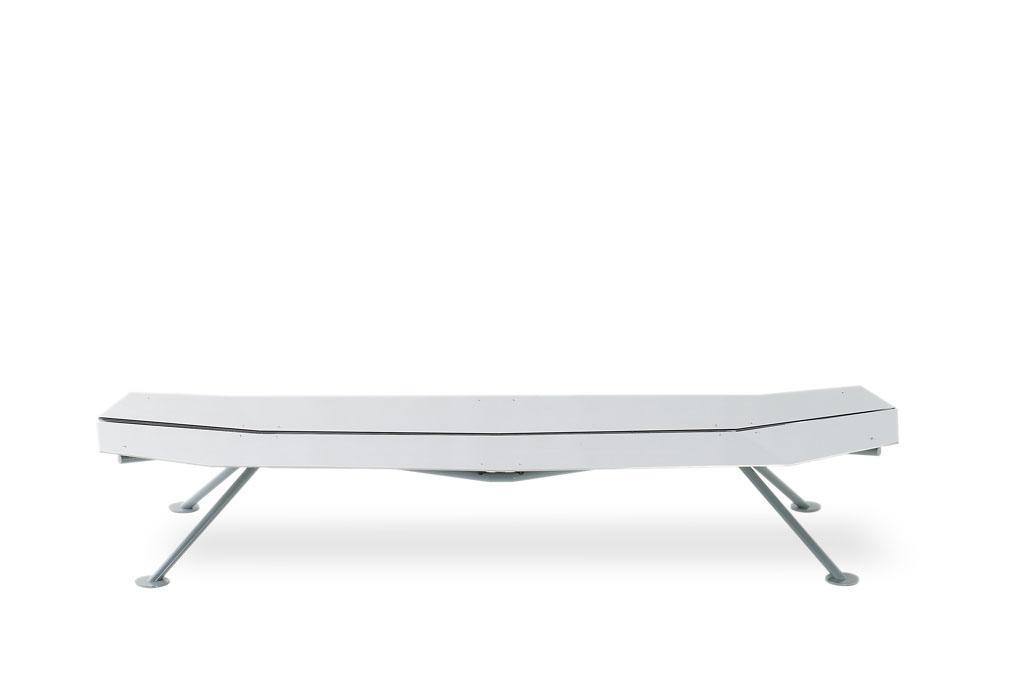 lockheed-II-bench_furniture-design_coordination-berlin_01.jpg