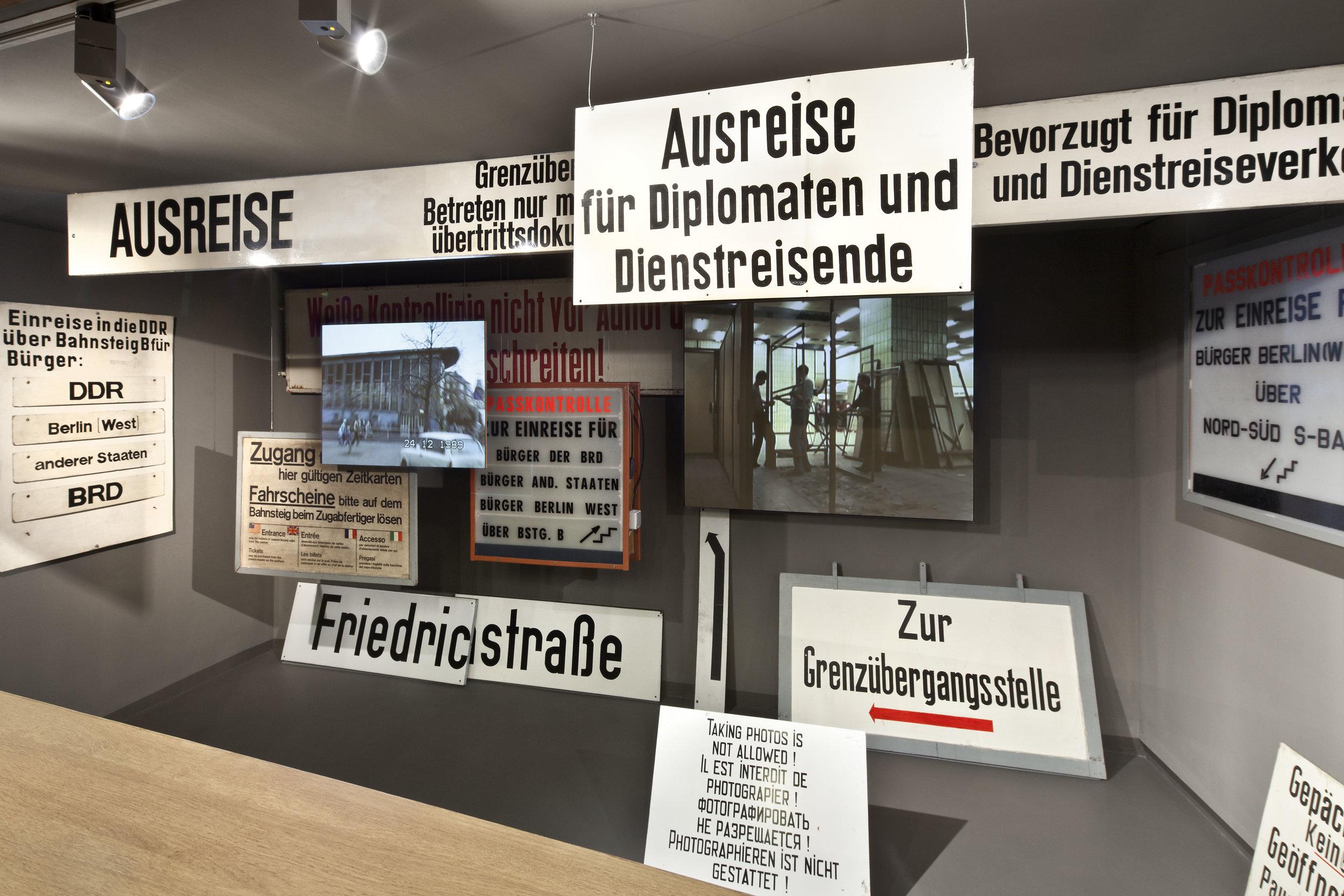 traenenpalast_museum-exhibition-design_coordination-berlin_05.jpg