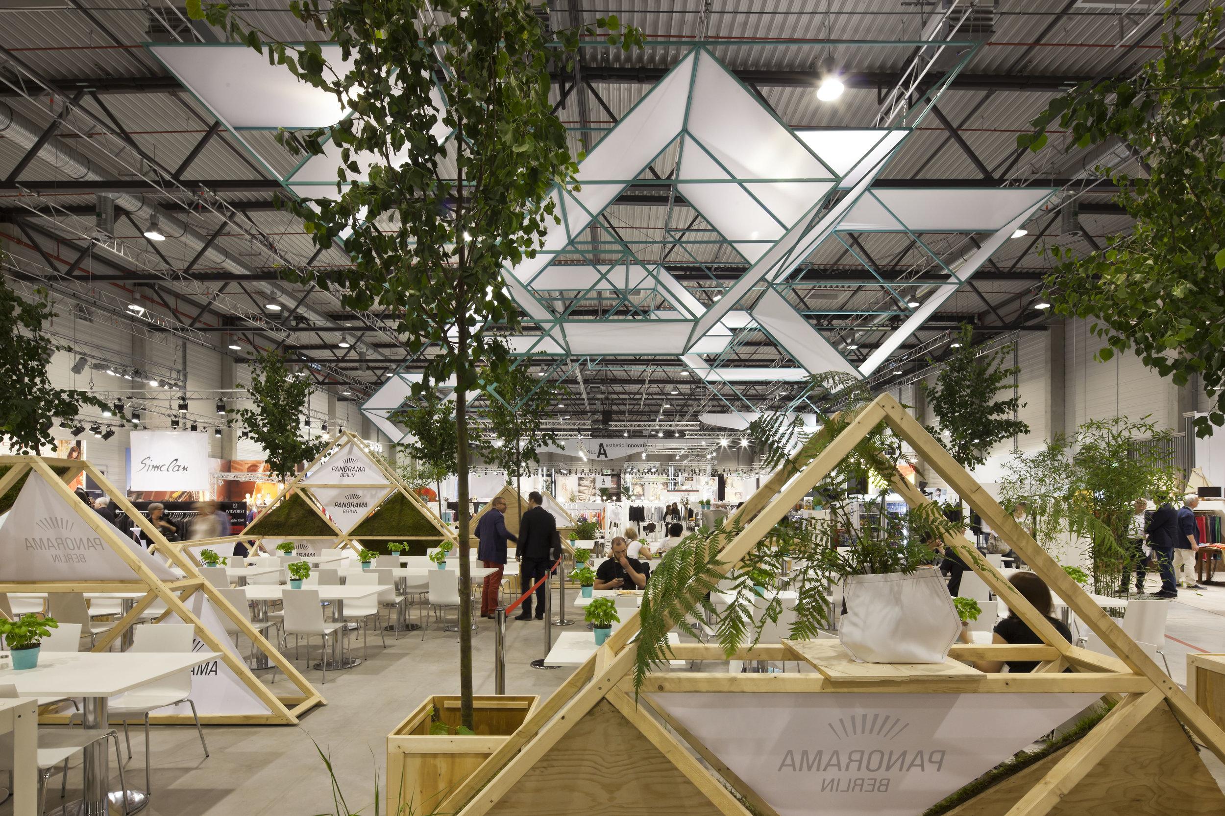 panorama_tradefair-exhibition-design_coordination-berlin_09.jpg